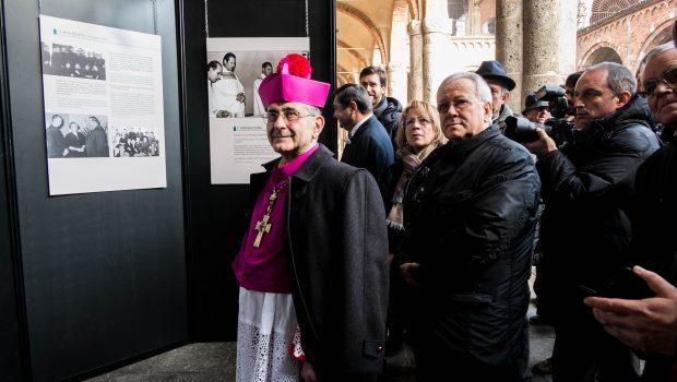 07.12.2018 – Delpini visita la mostra su Papa Francesco
